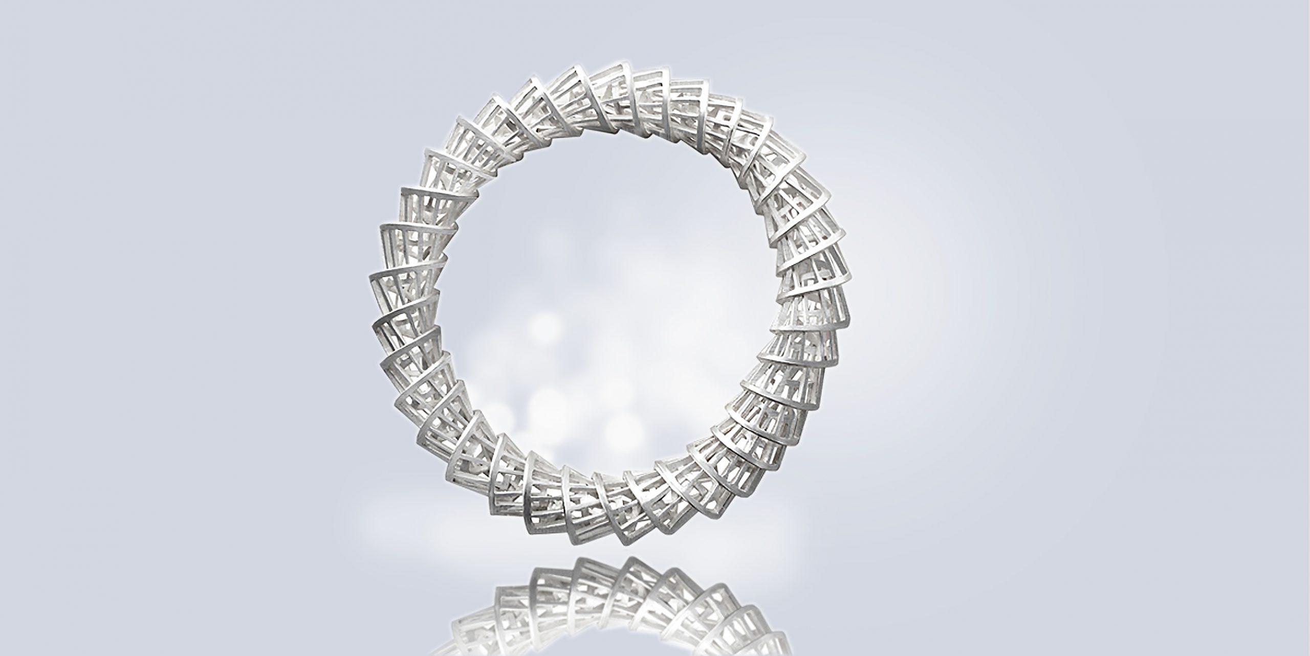 spiral bangle 1 scaled